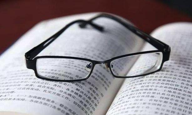 利用隐形眼镜系统轻松实现小程序提高客流